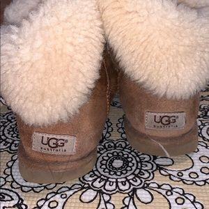 Very use Bailey button ugg boots